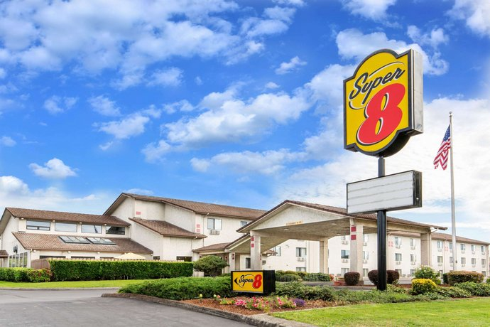 Super 8 by Wyndham Salem Salem