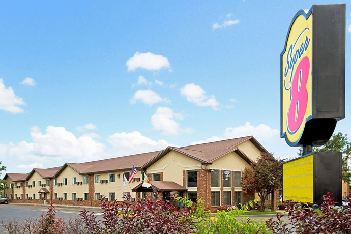 Super 8 by Wyndham Longmont Twin Peaks