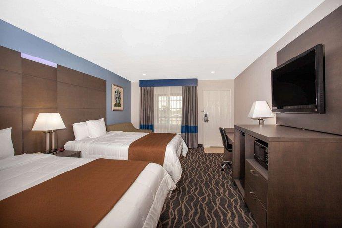 Travelodge Inn Amp Suites By Wyndham Anaheim On Disneyland Dr Compare Deals
