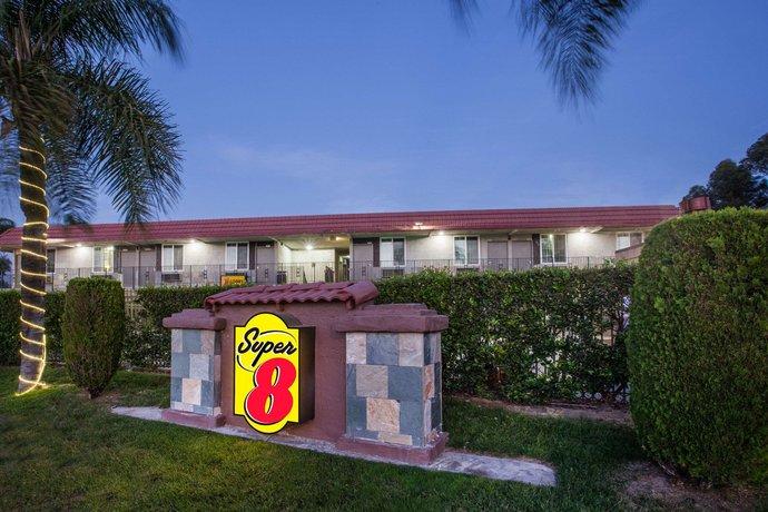 Super 8 by Wyndham Redlands San Bernardino Motel