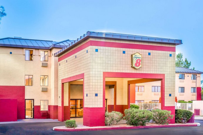 Super 8 by Wyndham Phoenix Mesa Gilbert Road