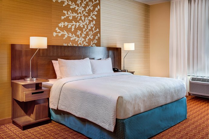 Fairfield Inn & Suites by Marriott Detroit Canton
