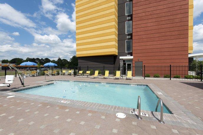 Fairfield Inn & Suites by Marriott Jackson Clinton