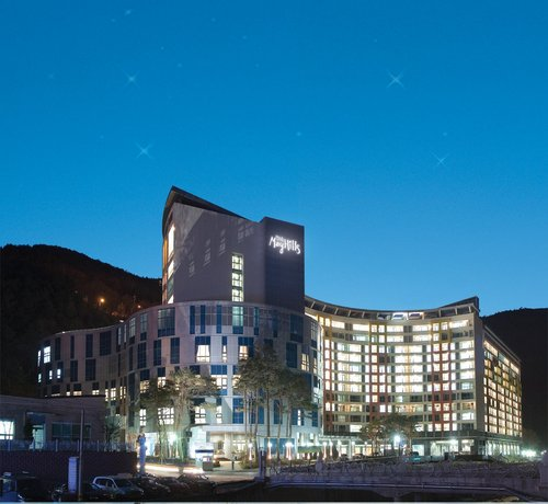 Jeongseon Mayhills Resort