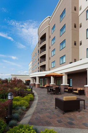 Courtyard by Marriott Buffalo Airport