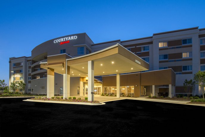 Courtyard by Marriott Columbus Columbus