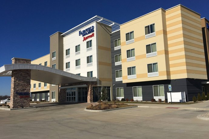 Fairfield Inn & Suites by Marriott St Louis Pontoon Beach/Granite City IL