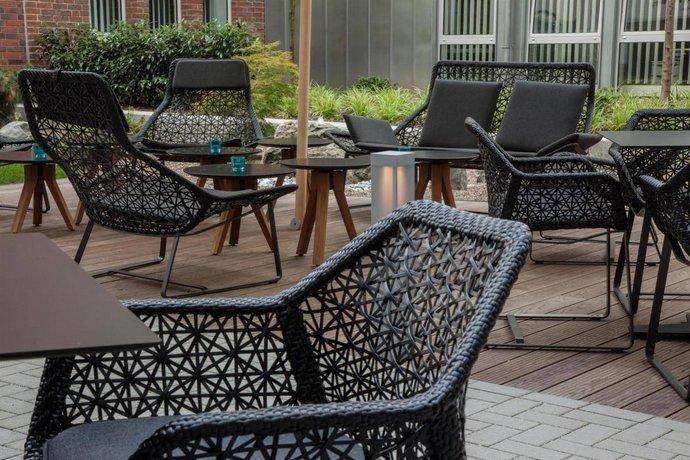 motel one d sseldorf hauptbahnhof die g nstigsten angebote. Black Bedroom Furniture Sets. Home Design Ideas