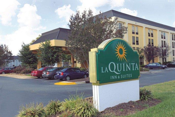 La Quinta Inn & Suites Charlotte Airport North