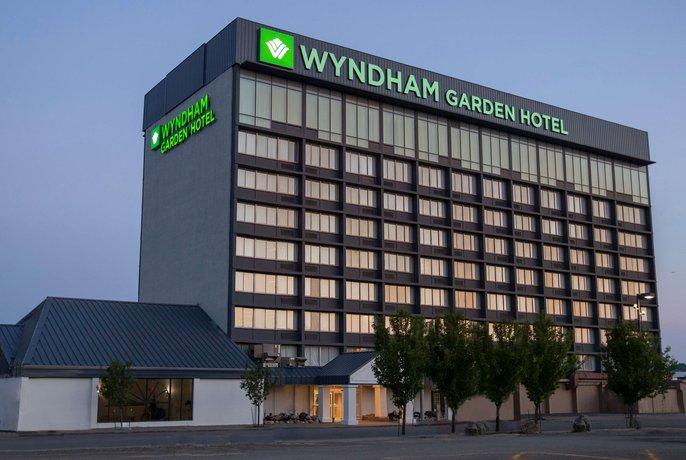 Days Inn & Suites by Wyndham Niagara Falls Buffalo Niagara Falls NY