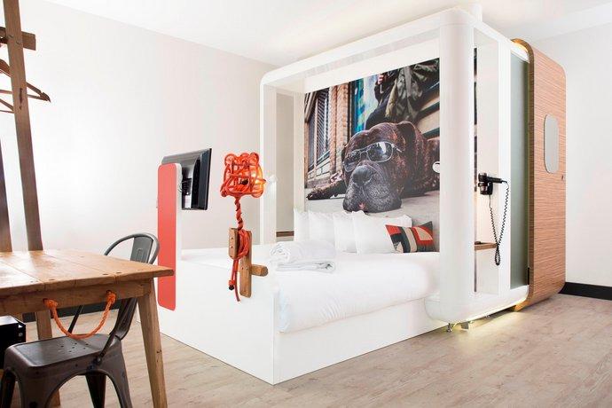 Qbic London City Hotel