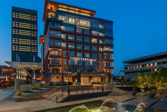 Courtyard by Marriott Buffalo Downtown Canalside