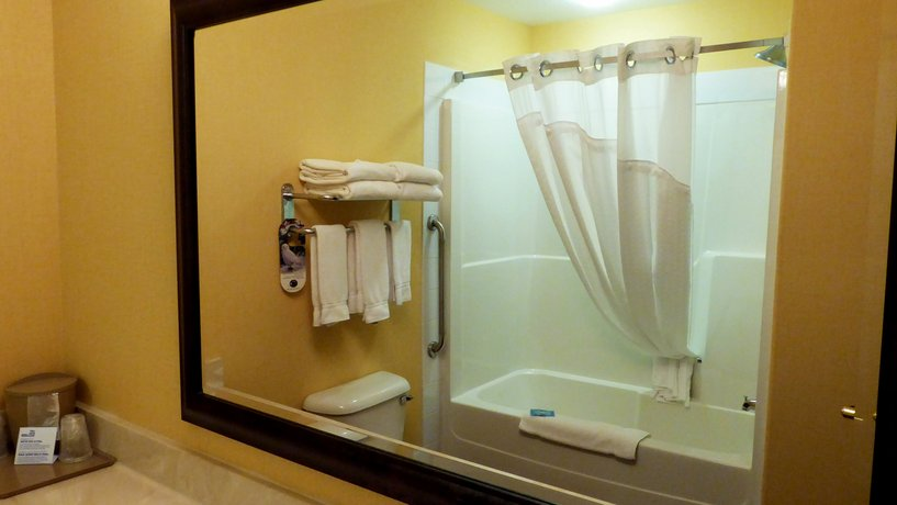 About Holiday Inn Express Grande Prairie