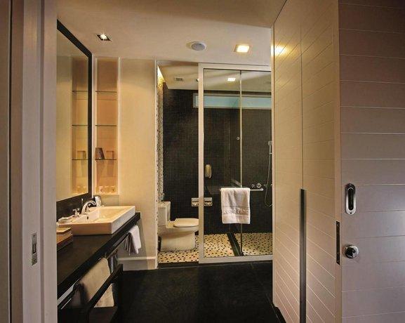 Lone Pine Hotel Penang, Batu Ferringhi - Compare Deals