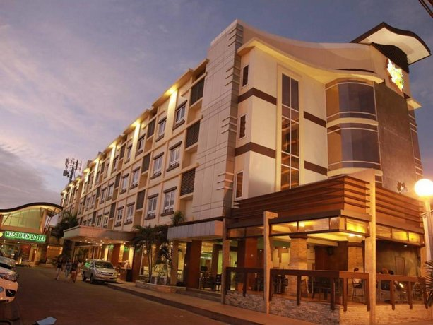 MO2 Westown Hotel Iloilo