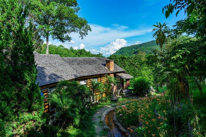 Phutarntree Resort