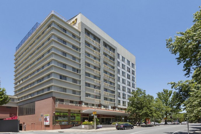 Waldorf Apartments Hotel Canberra