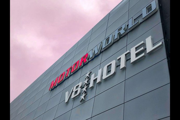 V8 Hotel Koln @MOTORWORLD an Ascend Hotel Collection Member