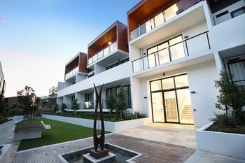 Northcote Hill - StayCentral