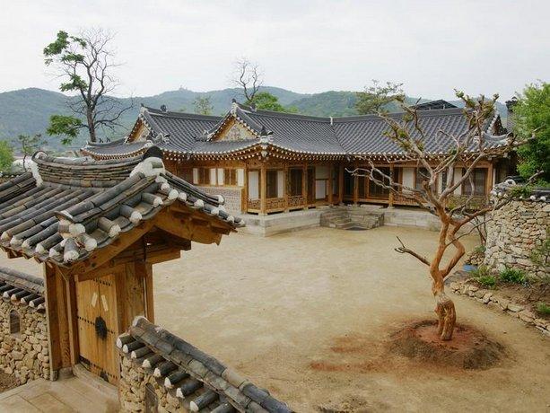 Damdamgak Hanok Guesthouse