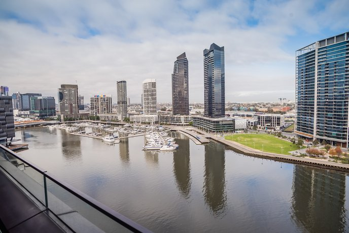 Melbourne Private Apartments - 889 Collins Street Docklands