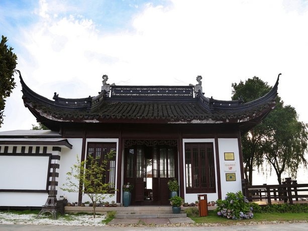 Seclusion Scenery of Shanghai International RV Resort