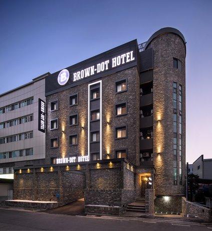 Changwon Brown-dot Hotel