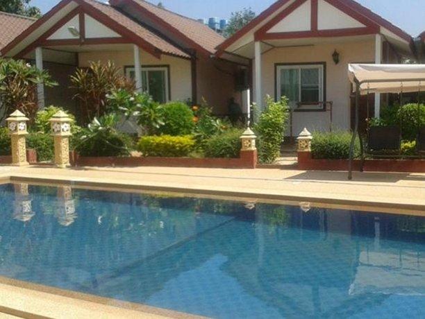 Maneerat Resort