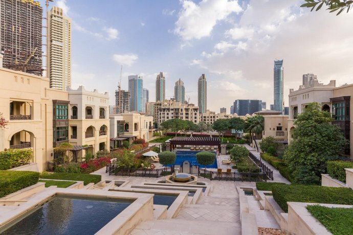 Maison Privee - Luxury Arabian Inspired Apt in Downtown Dubai