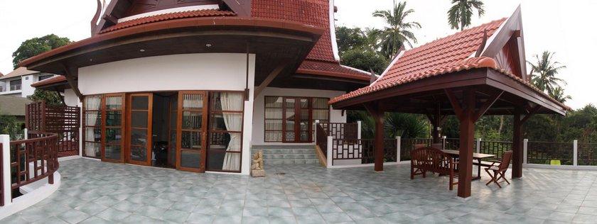 Nicky's Handlebar Villa