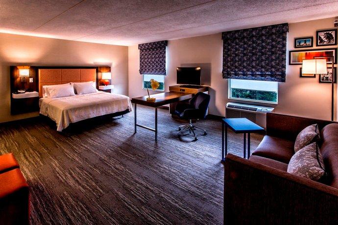 Hampton Inn & Suites Staten Island