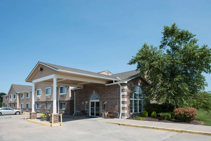 Super 8 by Wyndham Richmond Richmond Missouri
