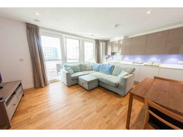 Modern Spacious 1-BR Flat for 2 in Stratford