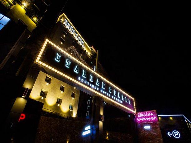 Italian Summer Boutique Hotel