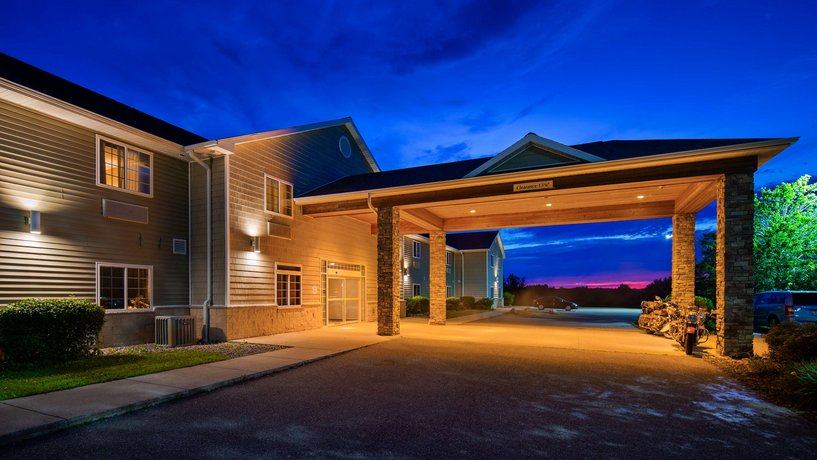 Best Western Inn & Suites Crandon
