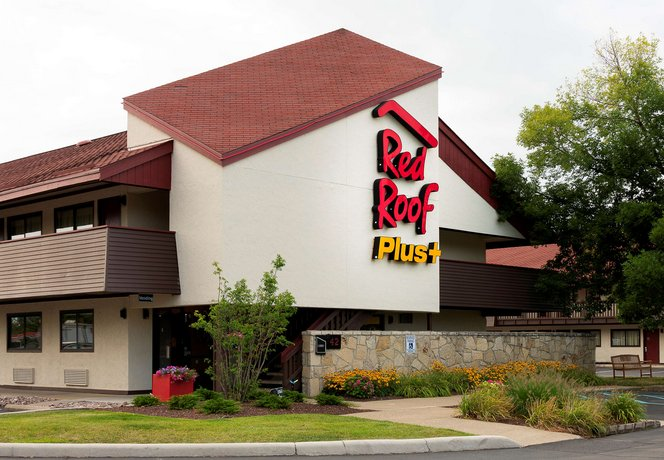 Red Roof Inn PLUS+ Pittsburgh South Airport