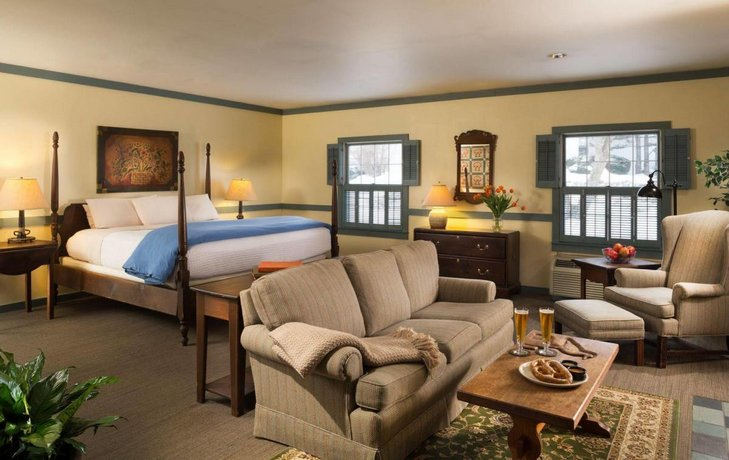 Inn At Turkey Hill >> The Inn At Turkey Hill Bloomsburg Compare Deals