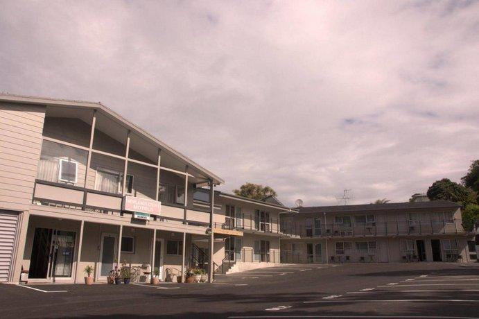 Newlands Court Motel