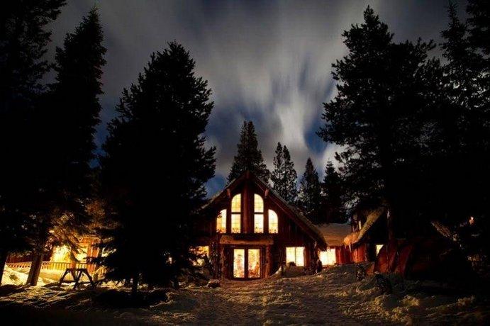 Lost Trail Lodge