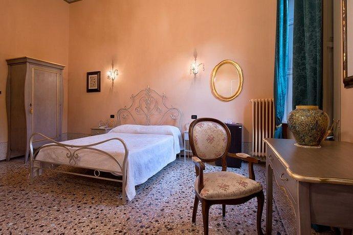 Il Salotto Modena.Salotto Delle Arti Modena Compare Deals