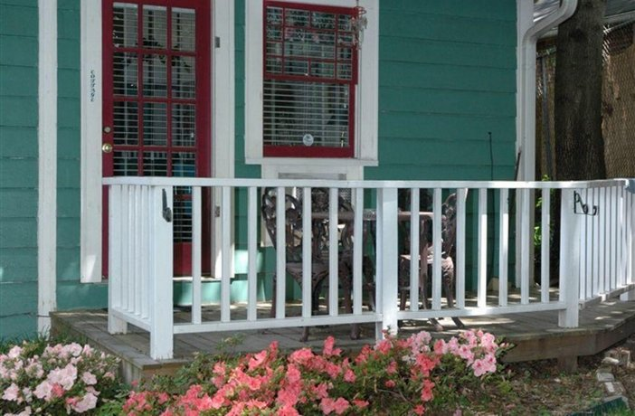 Sugar Magnolia Bed & Breakfast