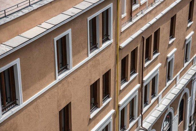 Monte Cenci Hotel