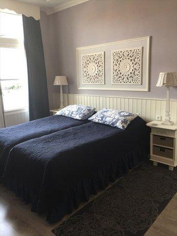 Vondelpark House Bed & Breakfast