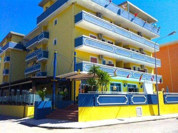 Hotel Holiday Martinsicuro Compare Deals