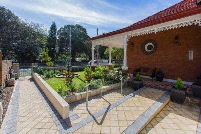 Centennial Park Lodge