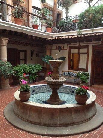 Hotel Los Escudos