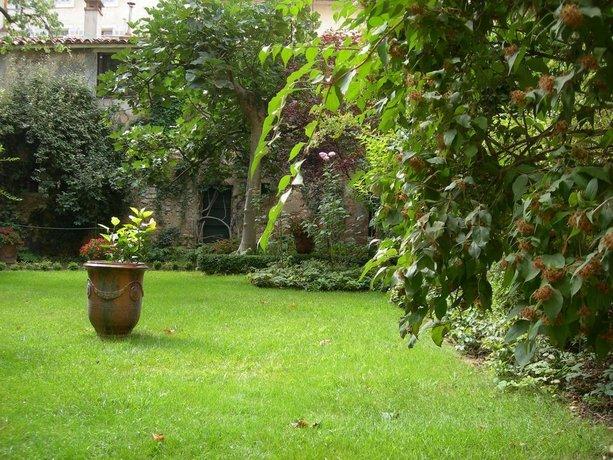 le jardin de marie aix en provence comparez les offres. Black Bedroom Furniture Sets. Home Design Ideas