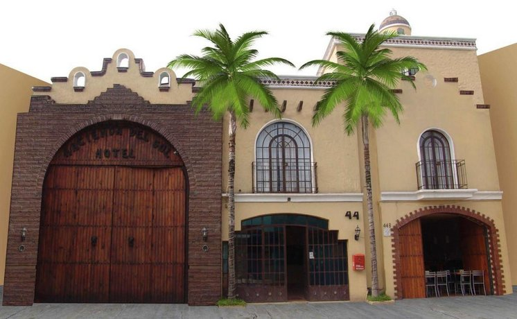 Hotel Hacienda del Sol