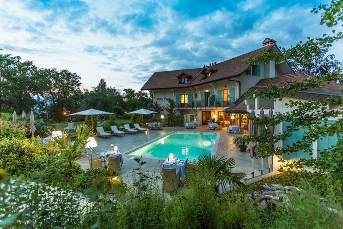 Find Hotel in Le Labyrinthe Jardin des Cinq Sens Yvoire - Hotel ...