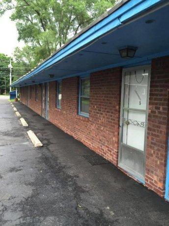 Tompkin's Motel